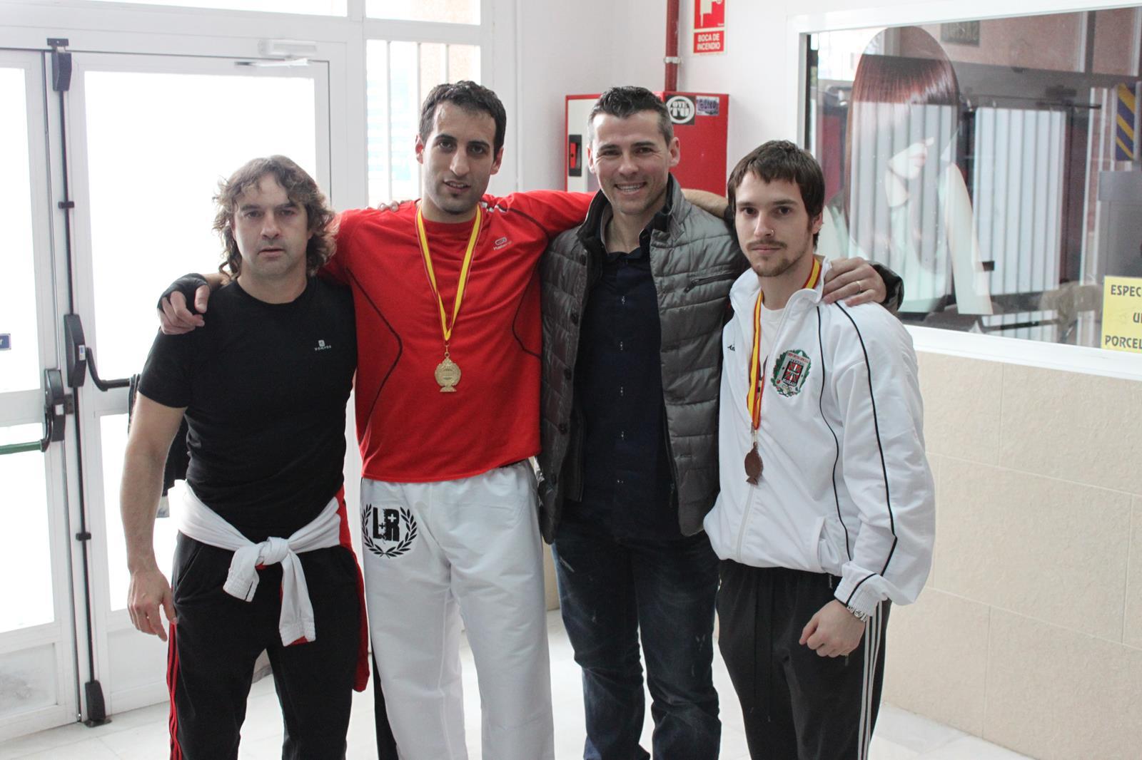 Campeonato de espa a kick boxing americano gimnasio yin yang for Gimnasio yin yang