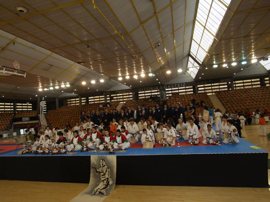 Resultados xxxv campeonato nacional kyokushin vitoria for Gimnasio yin yang