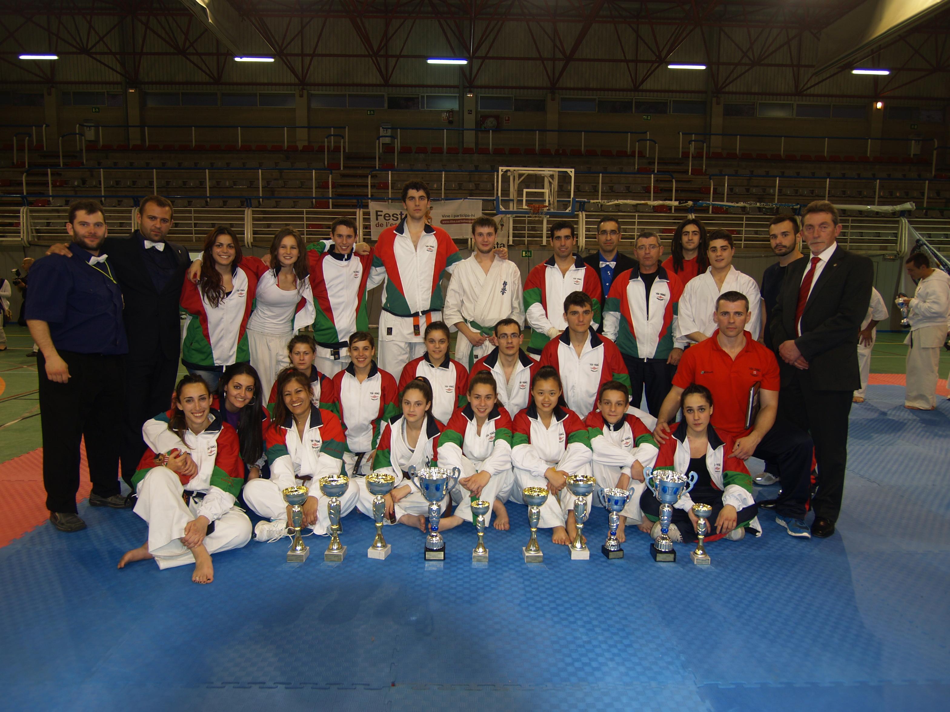Copa catalu a 2013 gimnasio yin yang for Gimnasio yin yang