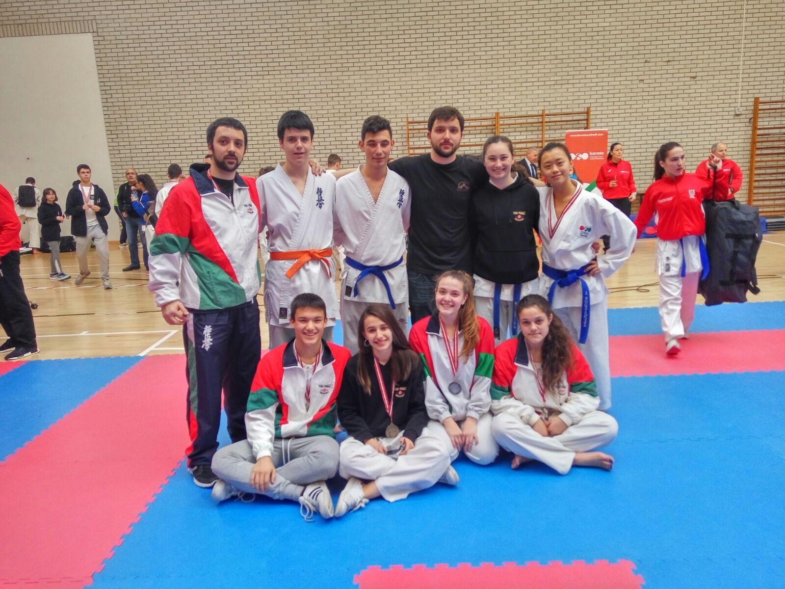 Camp euskadi senior torneo interauton mico junior 5 for Gimnasio yin yang
